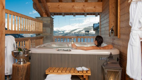 Properties with hot tubs in Sainte Foy
