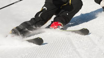 Book ski equipment hire