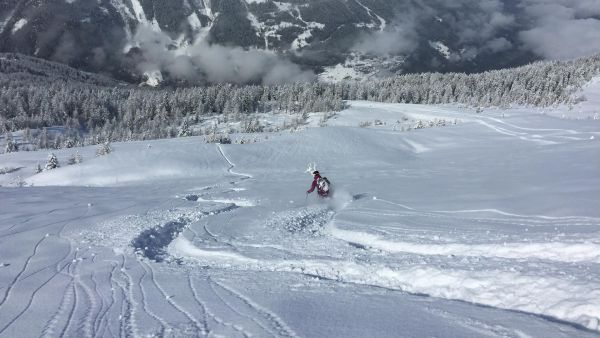 Off-piste skiing in Ste Foy