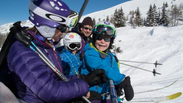 Properties for families in Sainte Foy