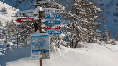 Piste signs in Sainte Foy